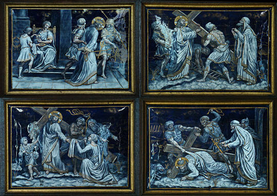 Stations of the Cross - By Tango7174 (Own work) [GFDL (http://www.gnu.org/copyleft/fdl.html) or CC BY-SA 4.0-3.0-2.5-2.0-1.0 (http://creativecommons.org/licenses/by-sa/4.0-3.0-2.5-2.0-1.0)], via Wikimedia Commons